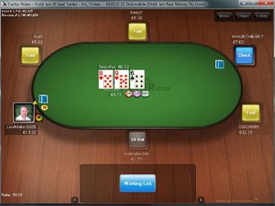 Вид игрового стола на Carlos Poker